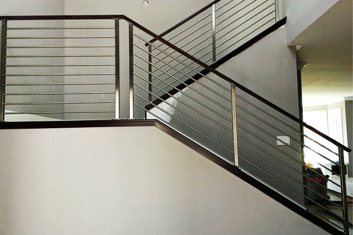 Attrayant Stainless Horizontal Rods Railing Systems